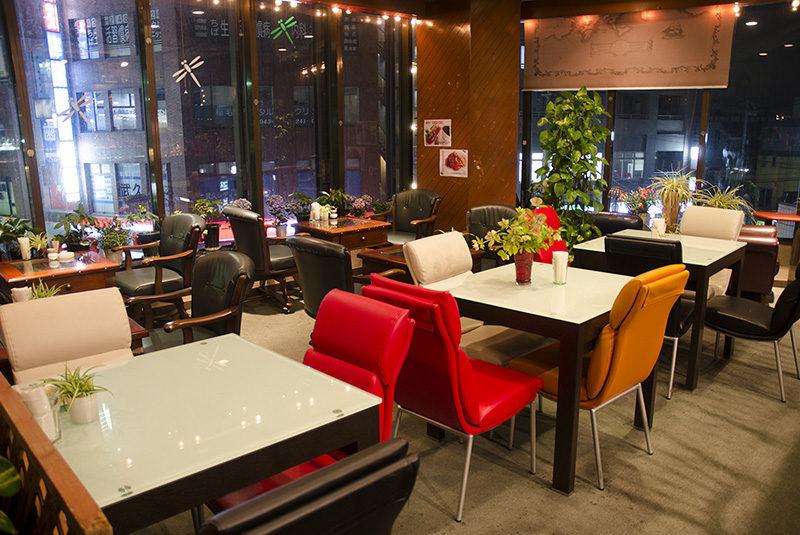 Lounge Aka-Tombo